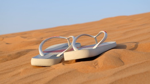 sandals-flip-flops-footwear-beach-40737